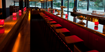rays-boathouse-home-redbar