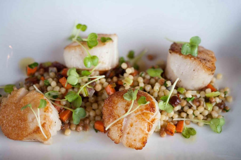 Cafe-Pan Seared Alaskan Weathervane Scallops 3_small