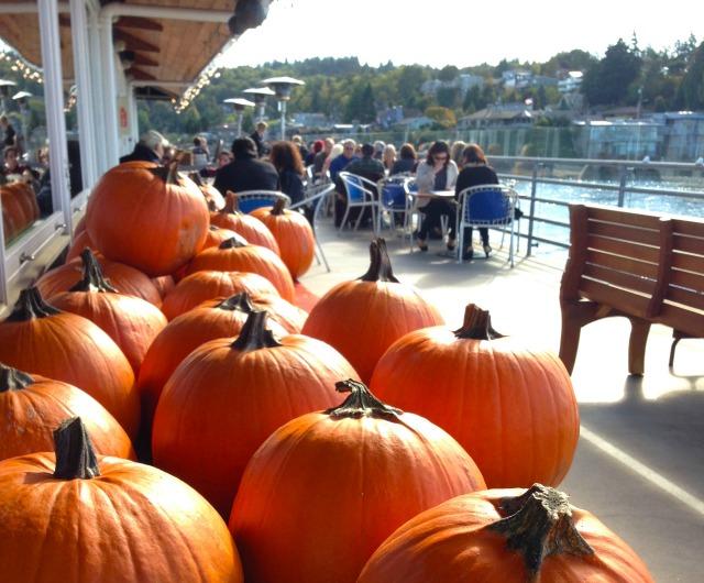 640 Ray's pumpkin carving 2
